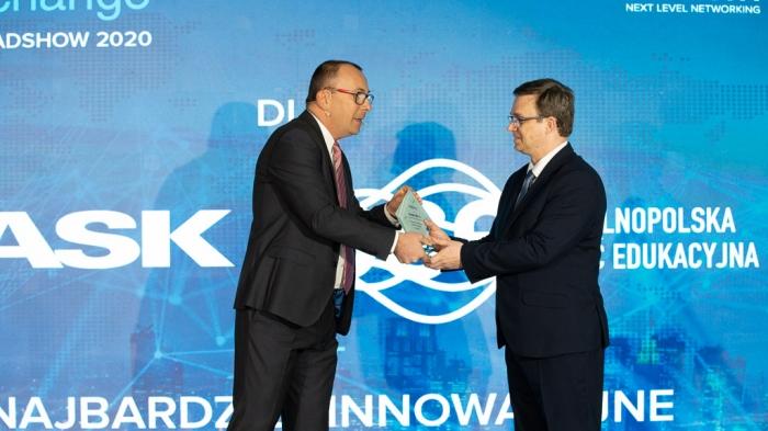 Wręczenie nagrody podczas konferencji Infoblox